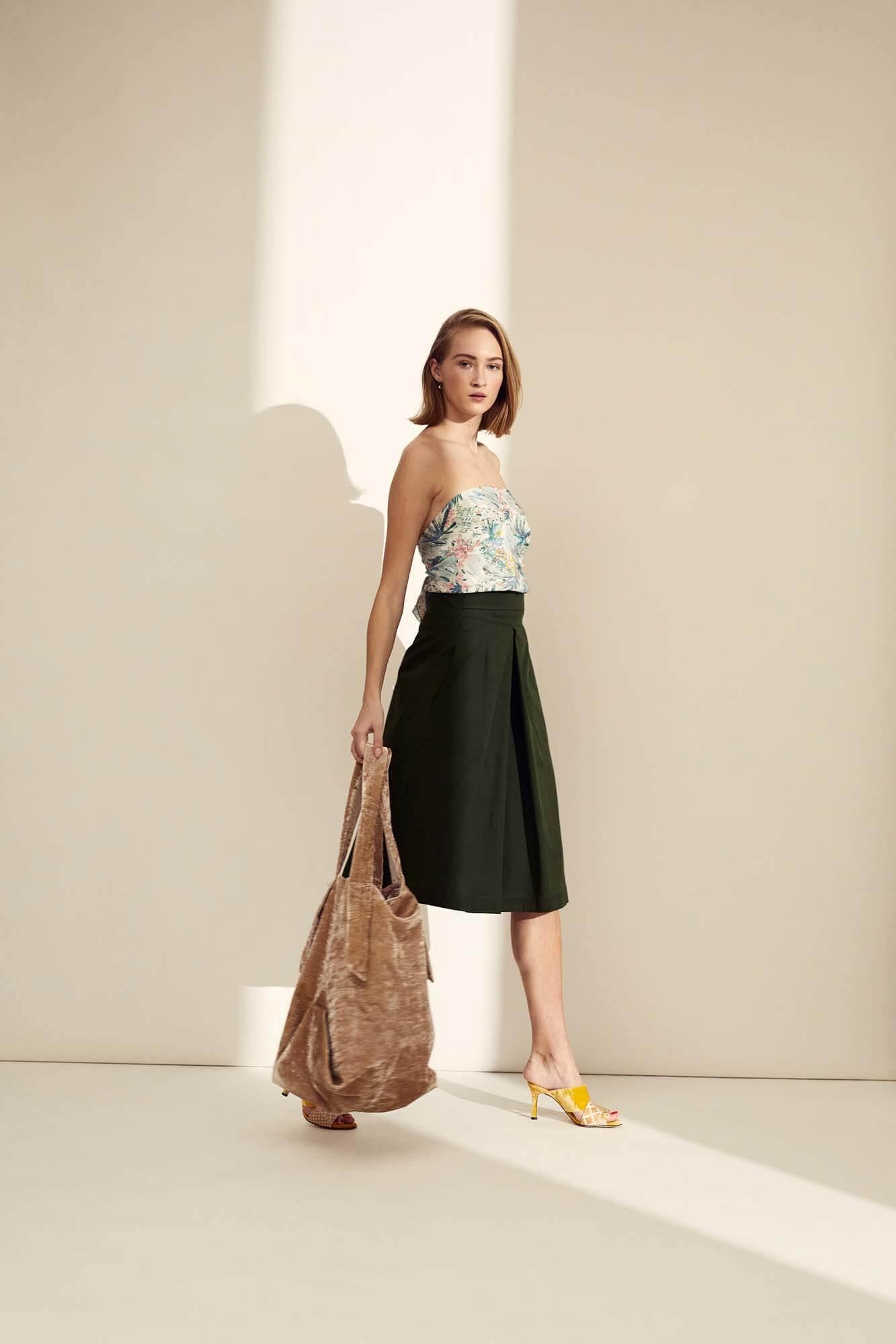 Blomstret silke med grøn nederdel | SS21